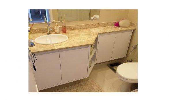 Gabinete de Banheiro Estendido