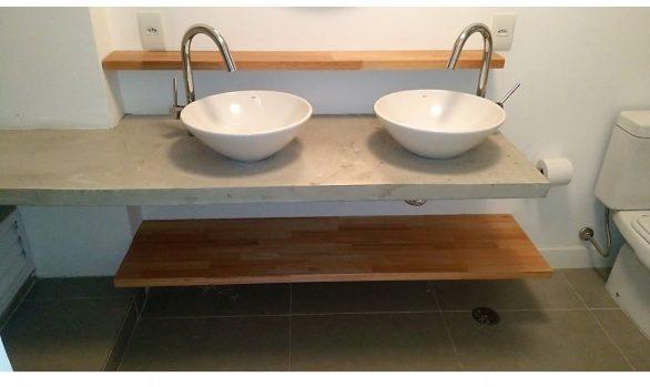 Pia de Banheiro com Prateleiras