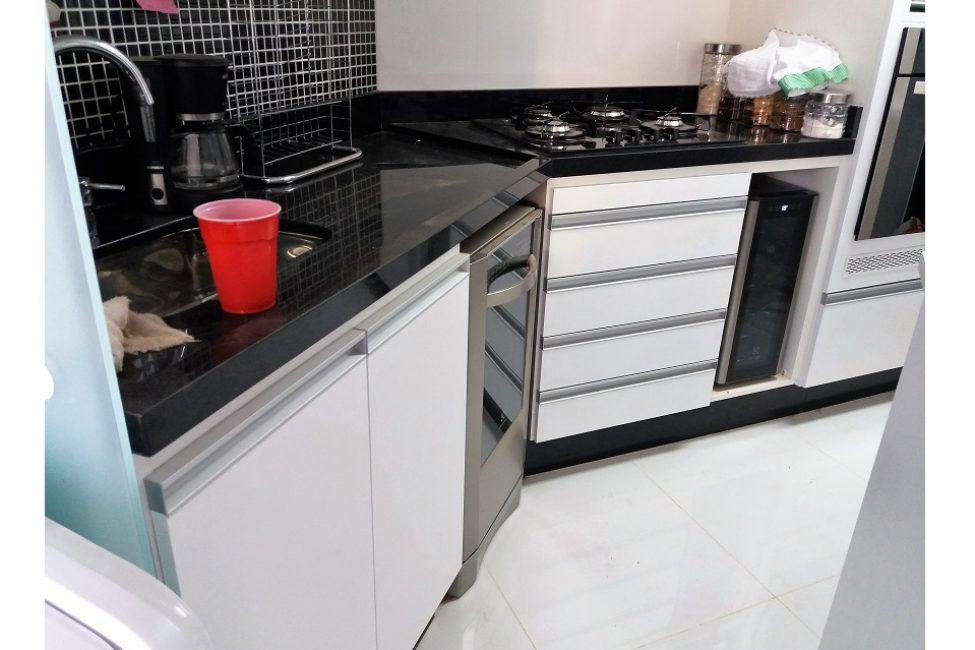 04 - Detalhe de gabinete de cozinha inferior